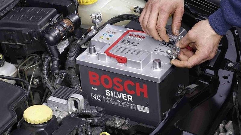 Как правильно заряжать автомобильный аккумулятор прямо на машине