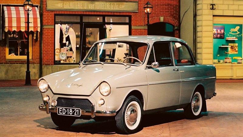 первый автомобиль с вариатором