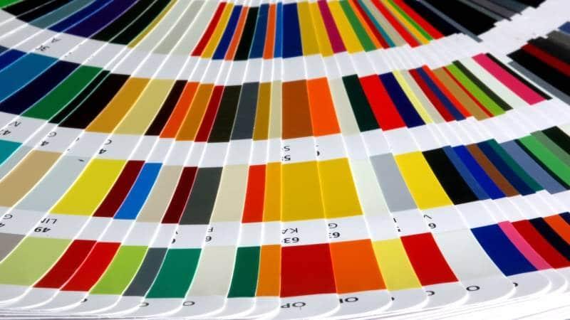 Правильный подбор цвета при точечной покраске автомобиля