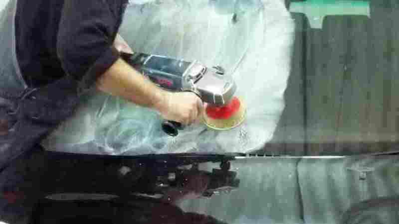 Полировка автостекла при помощи болгарки и специальной пасты