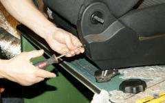 каким образом надеть чехлы на сиденья автомобиля