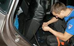 как правильно одевать чехлы на сиденья автомобиля