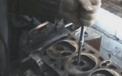 как проводится замена направляющих втулок клапанов
