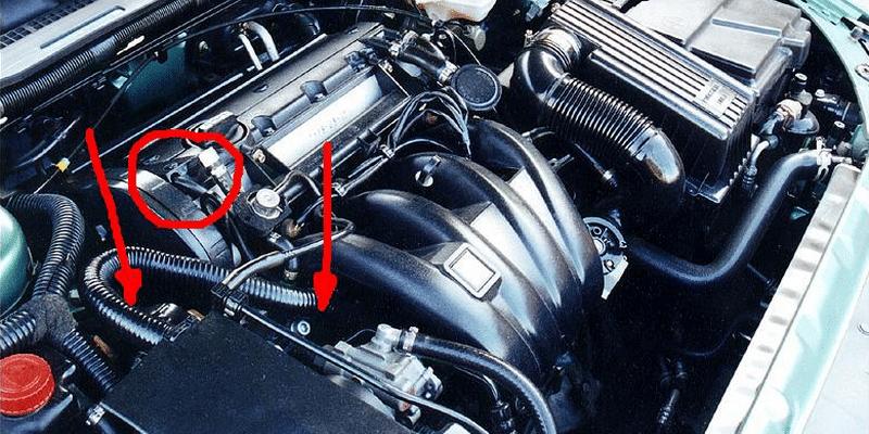 почему в салоне автомобиля пахнет бензином