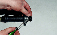 как ремонтируется главный цилиндр сцепления