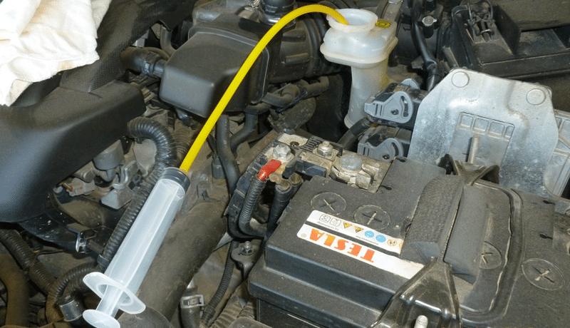 как заменить тормозную жидкость c АБС