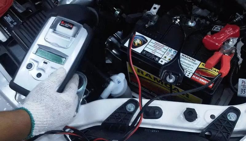 почему аккумулятор вообще не заряжается от зарядного устройства