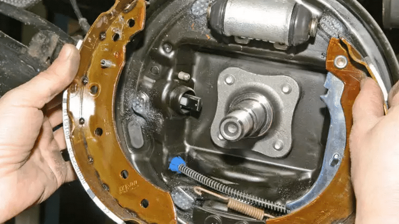 Как сделать задние тормоза рено логан