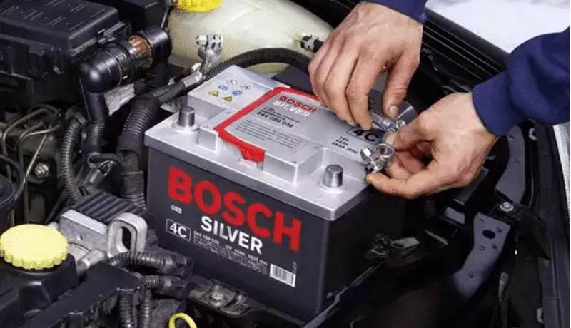по какой причине аккумулятор не заряжается от генератора