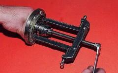 как часто делается замена подшипника ступицы переднего колеса