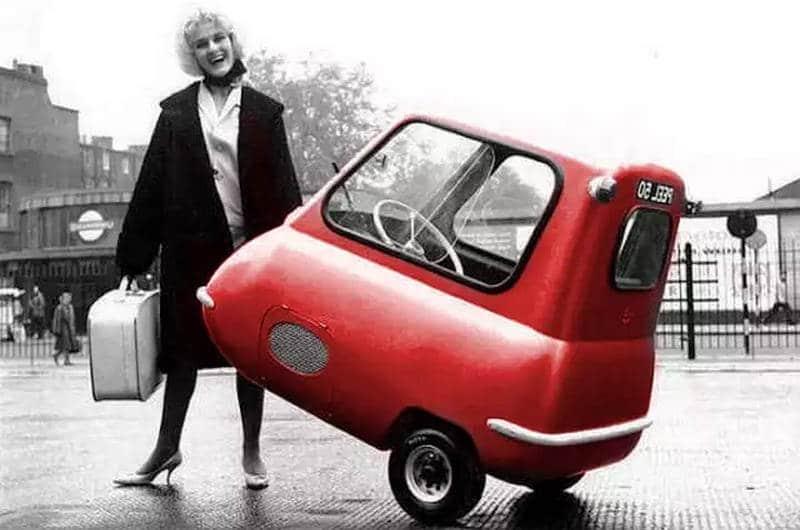 какую первую машину желательно выбрать начинающему водителю-девушке