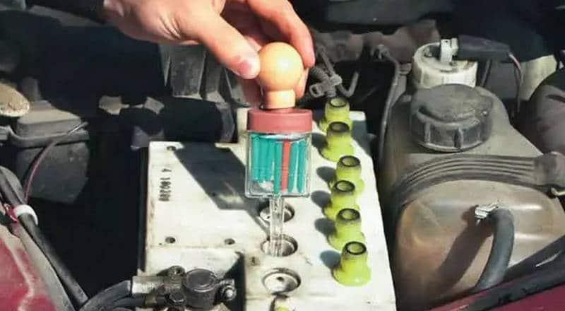 как проводят обслуживание автомобильных аккумуляторов в России