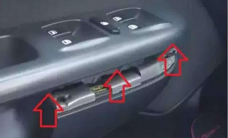 как можно снимать обшивку водительской двери