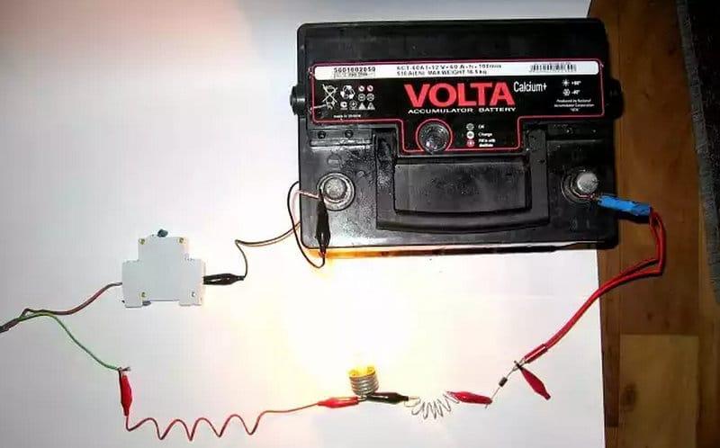 как выглядит схема автомобильного зарядного устройства