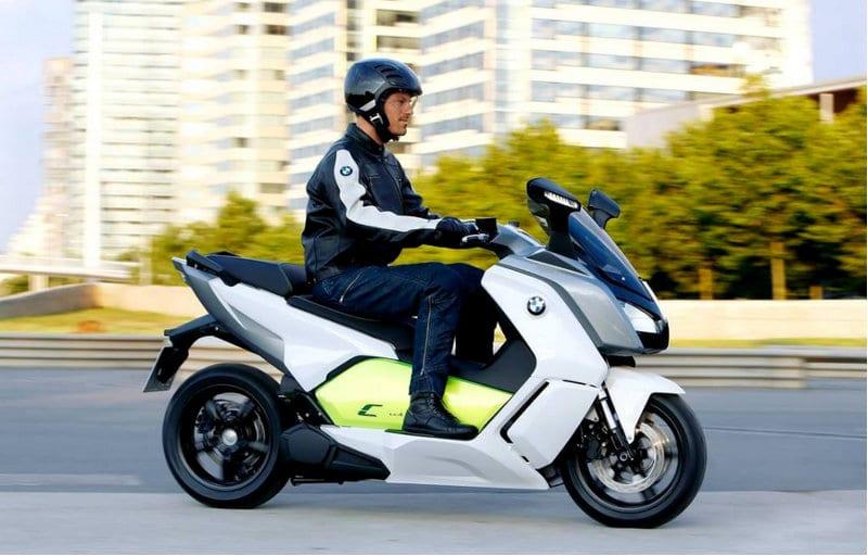 на какой скутер нужны права