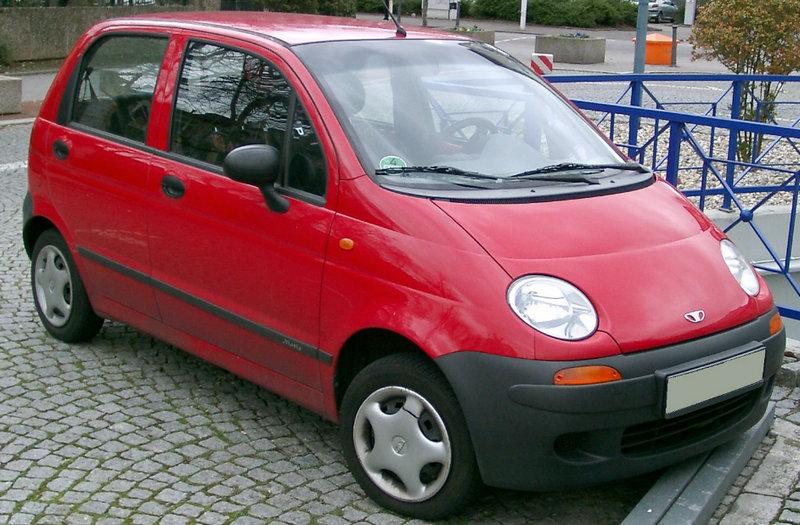 какую машину с пробегом купить за 300000 рублей