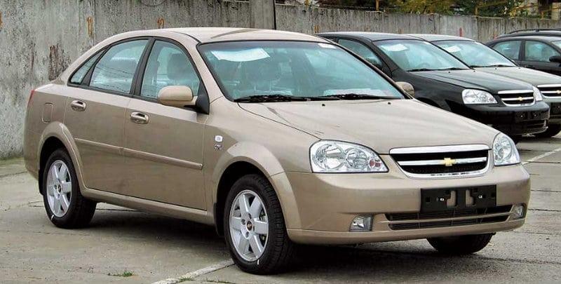 какую машину с пробегом купить за 300000 рублей сразу