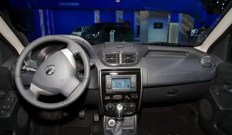 как выглядит внутри Nissan Terrano