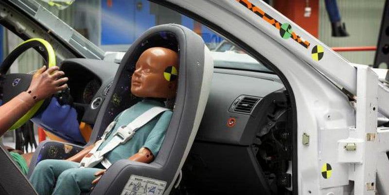 какие правила перевозки детей на переднем сиденье