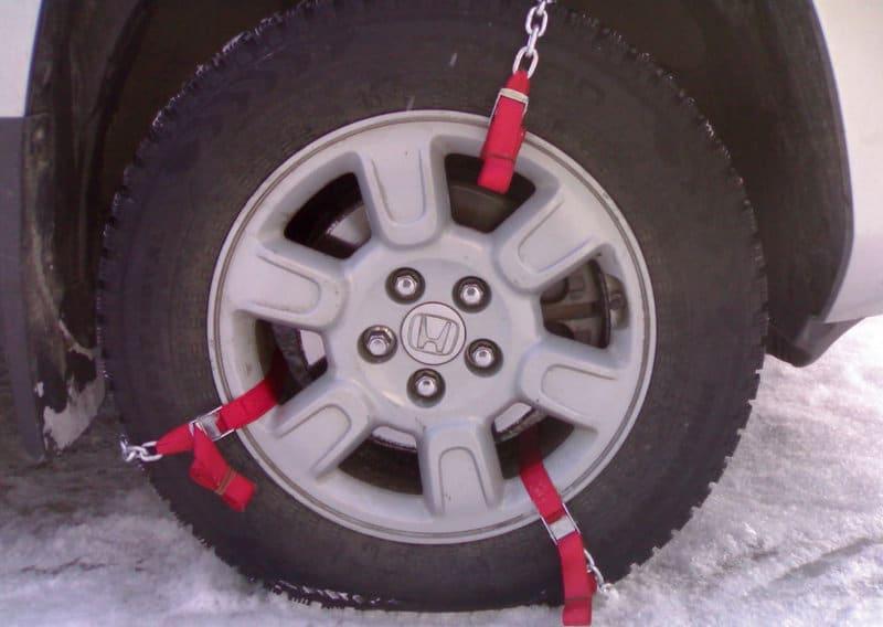 где взять браслеты противоскольжения на колеса легкового автомобиля