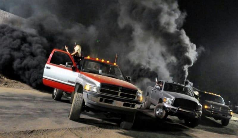 почему идет черный дым из выхлопной трубы дизеля