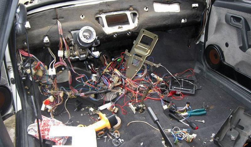 как снять приборную панель на ВАЗ 2110