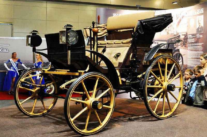 какая самая первая машина в мире