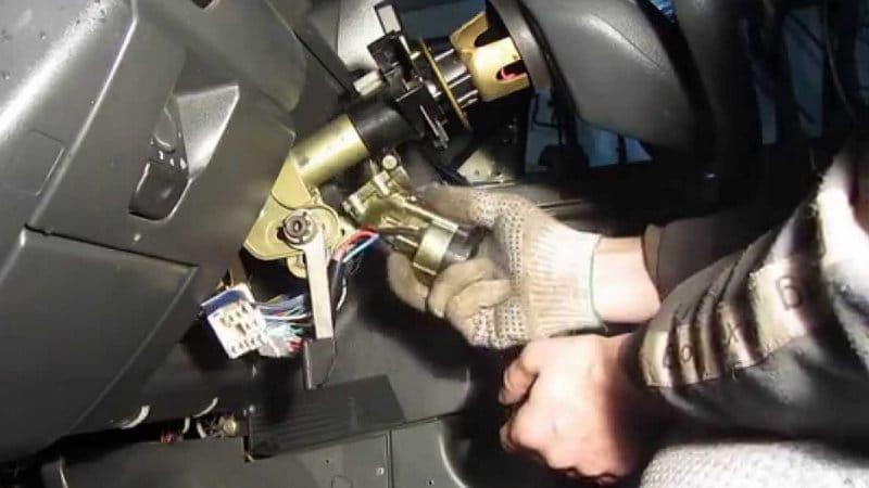 как поменять замок зажигания на ВАЗ-2110