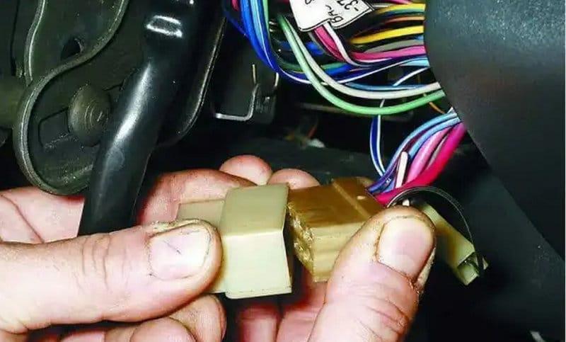 замок зажигания ВАЗ-2110 и схема подключения проводов