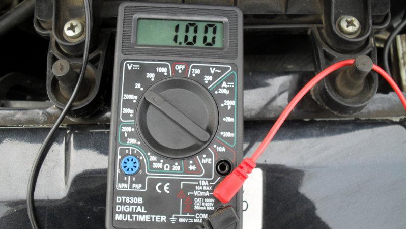 как самостоятельно проверить ДМРВ мультиметром