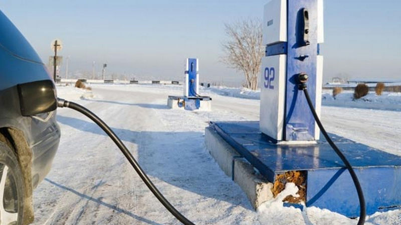 при какой температуре замерзает бензин